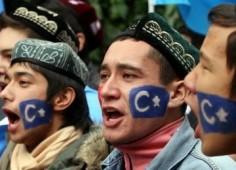 Warga Muslim Cina dari etnis Uighur
