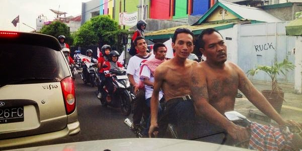 Massa kampanye Jokowi di Jalan Taman Siswa, Yogyakarta, 17 Juni 2014. Foto: @ArmeiliaH.